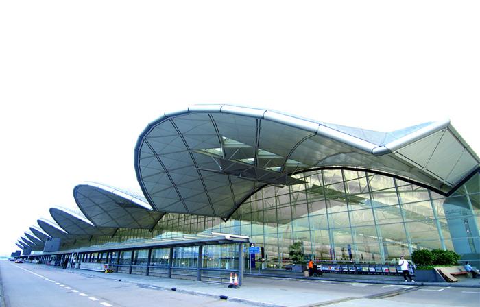 乘快船前往香港机场