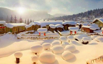 易起行-【冰雪雾凇】东方小巴黎哈尔滨、中国第一雪乡、亚布力滑雪、长白山天池、5星长白温泉、吉林雾凇、松花湖冬捕、雪地篝火6日(广州往返XZL T2)